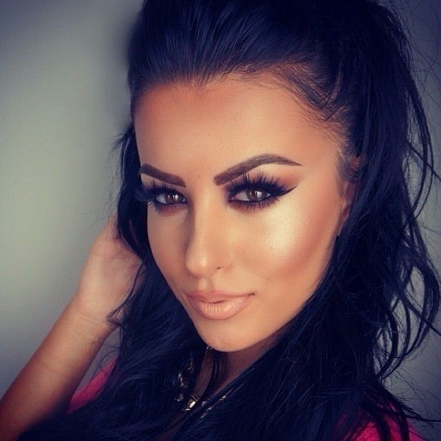 Lashes Lashes Lashes! We love this MeaganEllise Signature Mink Faux Lash look-a-like ! :)