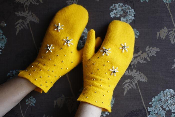 rękawiczki rękodzieło miodowe żółte wyszywane