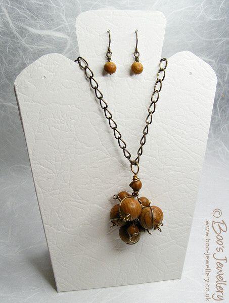 Best 25 Necklace Display Ideas On Pinterest Diy