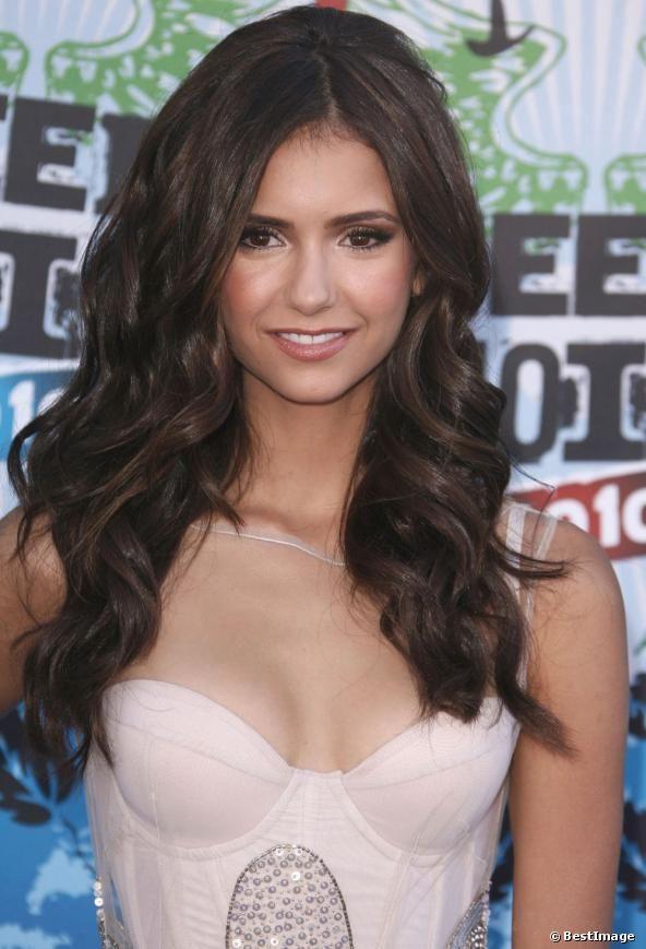 Nina Dobrev Teen Choice Awards 2010 | waves