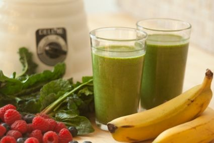 1 1/2 cup unsweetened non-dairy beverage, such as almond, rice or soy  2 dried apricots or 4 pitted dates  1 banana  1 cup chopped kale leaves  1 cup spinach leaves  1/2 cup fresh or frozen berries