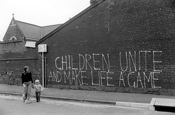 Children Unite, South Melbourne 1974 | Rennie Ellis Photographic Archive