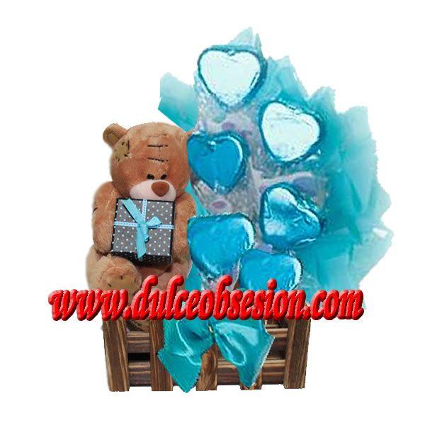 Jardinera con peluche oso me to you con regalo y 6 corazones grandes de chocolate envueltos en platina ...informes y pedidos a ventas@dulceobsesion.com o al 6226458 / #998730769 Whatsapp