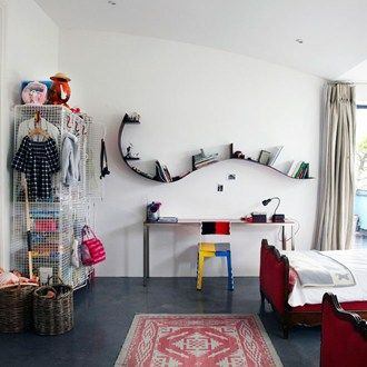Living with littles? Clever kids' rooms that don't scrimp on style Love the shelves!!!!!