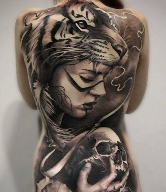 Indienne tigre, huge well done ---> respect for the artist, placement absolutly perfect