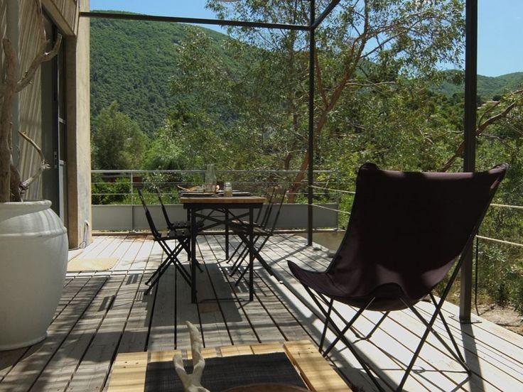 Location vacances maison Nyons: La terrasse ( en 2015) avec vue sur l'Essaillon et la Garde Grosse