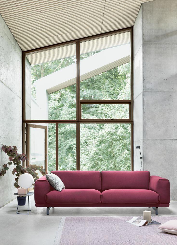 Muuto´s REST sofa in a new fabric: pitch charm #muuto #muutodesign #restsofa #sofa #neoprene #plyrug