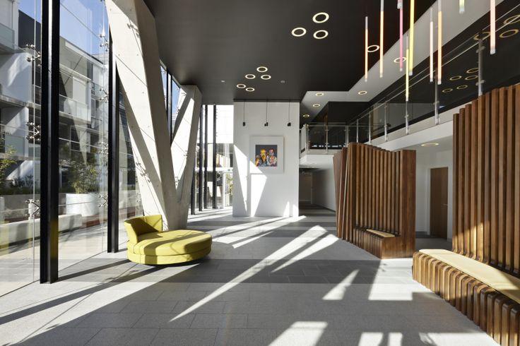 Foyer. Bird de la Coeur Architects Photos: Dianna Snape