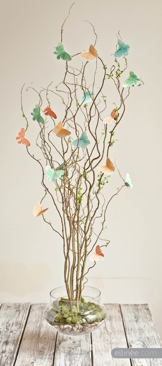 Good idea for last minute holiday decoration ~ Beautiful Butterfly Centerpiece ~ Free Butterfly template + Centerpiece Tutorial