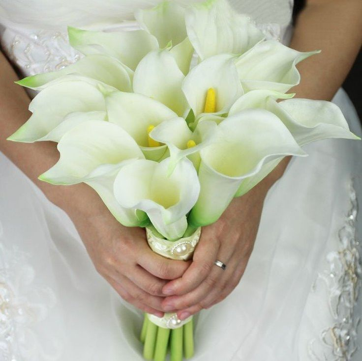 Beautiful 16 Calla Lily Bridal Bouquet White Calla Lilies + Ribbon Wedding Bouquets Decoration Free Shipping Cheap Price(China (Mainland))