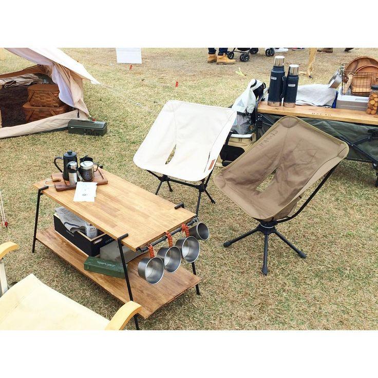 「ロハスデイキャンプ、駐車場から会場まで荷物をカートで運ぶので物を減らすためにラックをテーブルに、カートを棚に。 それでも @migu_arg めぐちゃんとバリィさんに手伝ってもらったので何とか一回で搬入完了出来ました✨ありがとう 今週末はお仕事でノーキャンプ * #キャンプ #camp…」