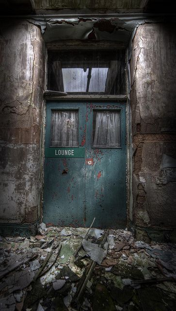 Lounge, abandoned asylum   | Flickr - Photo Sharing!