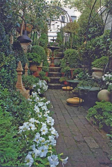 Italian garden room