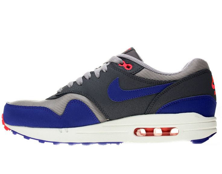 http://www.shoemaniaq.com/chaussure-homme/615-chaussures-nike-air-max-1- essential-537383-006-hommes-running.html Le look sportif de la chaussure Nike  Air ...