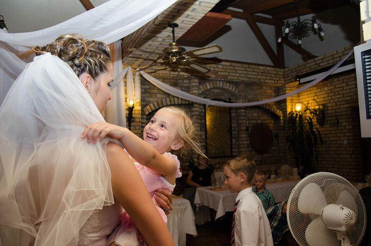 Ujszászi Zsuzsanna fotós oldala   Esküvői galéria