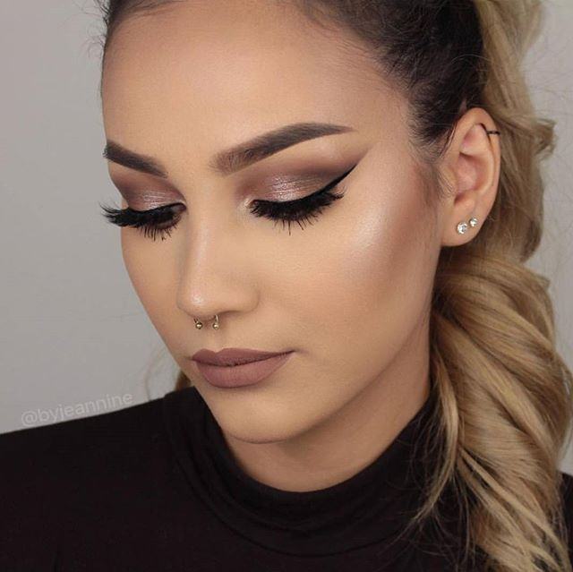 Just in time for fall 🍁🍂 @byjeannine creates this flawless look with the 35W warm color palette. #morphebrushes #morphebabe