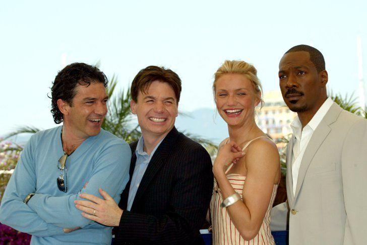 Pin for Later: Retour Sur Les Moments Les Plus Glamour du Festival de Cannes  Antonio Banderas, Mike Myers, Cameron Diaz, et Eddie Murphy à un photocall pour Shrek 2 en 2004.