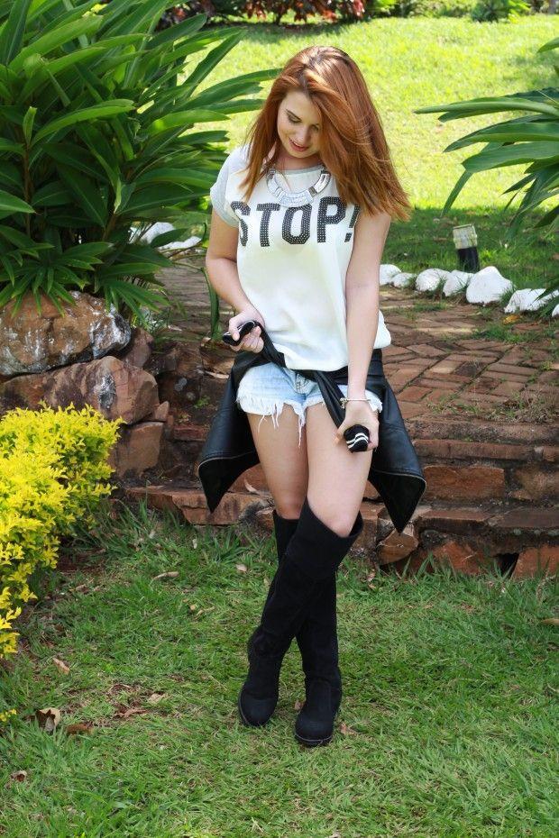 As blogueiras teens que bombam na web http://wnli.st/1OGbAvf #FabiSantina