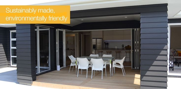 James Hardie Linea Weatherboard is sustainably-made and environmentally-friendly, ideal for indoor outdoor flow combining traditional and modern elements #traditioanlexterior #modernliving #indooroutdoorflow