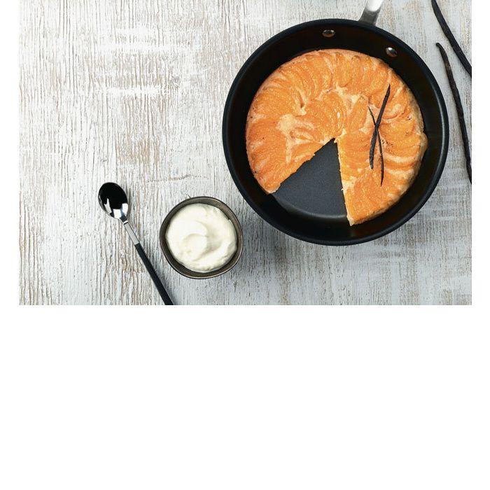 Pour faire des gâteaux sans four, découvrez nos trois recettes à cuire à la poêle. Des préparations tirées du livre de Stéphanie de Turckheim édité par Hachette.