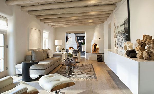 Salon w domu w Meksyku, wnętrze salonu w domu meksykańskim, design, inspiracje, jasny salon, salon przytulny, ciepły salon - zainspiruj się! Domy w stylu, Stylowe domy - Dom w Meksyku.