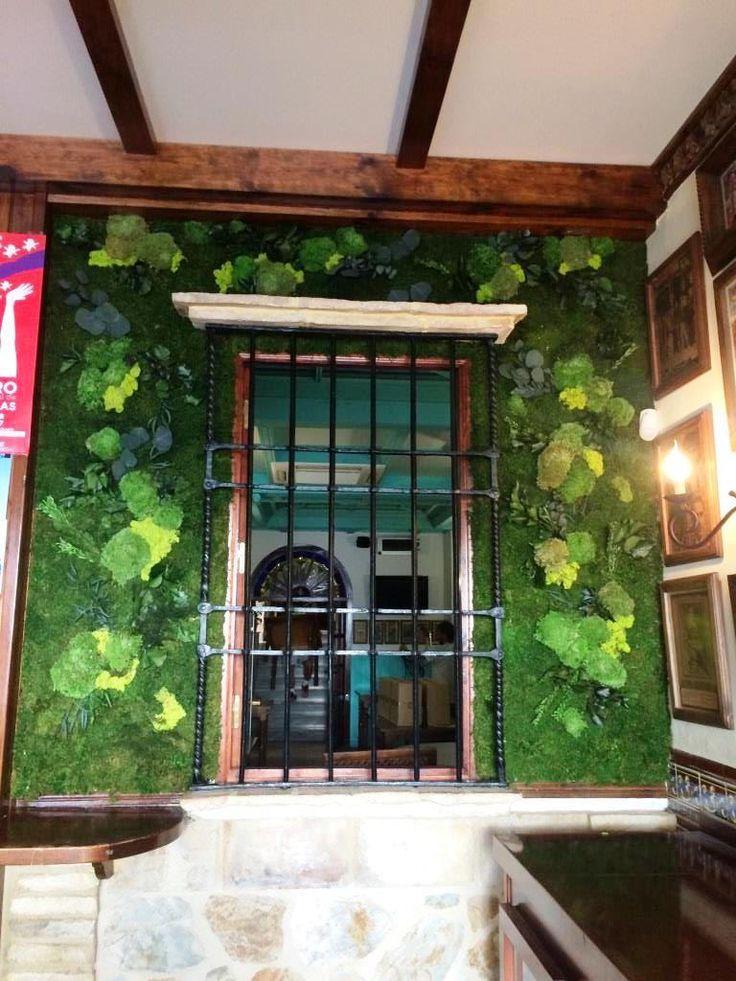 """Jardin vertical preservado en el restaurante """"El Tomate"""" en Bujalance, Cordoba."""