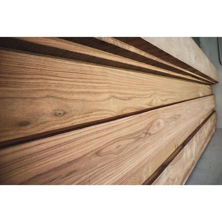 first using of walnut so exciting #연남동#안키텍쳐#작업실#아틀리에#인테리어#가구#목공소#목공#디자인#나무#매장#쇼룸#원목#월넛#woodshop#anchitecture#atelier#wood#gray#interior#furniture#design#anchitecture#woodshop#woodwork#woodworking#dowoodworking#showroom#woodcraft#walnut by anchitecture