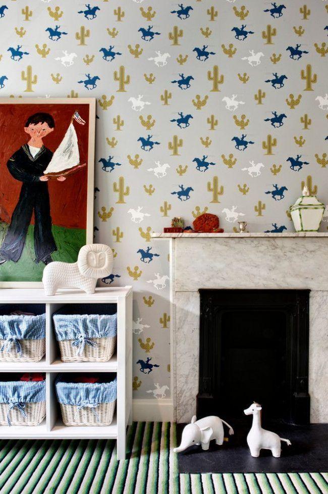 Обои в детскую комнату мальчика: рекомендации по выбору и 70+ ярких идей для вашего ребенка http://happymodern.ru/oboi-v-detskuyu-komnatu-dlya-malchikov-foto/ Современная детская комната для мальчиков с оригинальными деталями, как в оформлении, так и в декоре. Живописное изображение маленького хозяина комнаты – изюминка интерьера