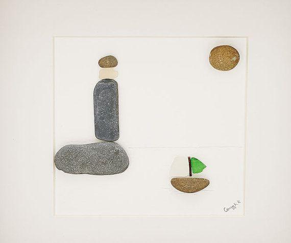 Deze Sail Away pebble kunst foto is een mooie gepersonaliseerde stuk - het maakt een prachtig geschenk (vooral als een housewarming cadeau, nieuwe huis cadeau of huwelijksgeschenk) en heb ik kamer onder verlaten te personaliseren met de namen van wie u wilt of elke tekst die je zou willen. Ik kan ook aanpassen door het toevoegen van kleine mensen aan uitkijkend over het water. Gemaakt van Ierse kiezels en waterkristallen verzameld uit de kust van Waterford, Ierland in Tramore dit stuk echt…
