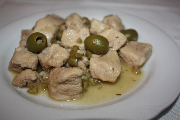 Carne cu măsline verzi - Gust și Aromă