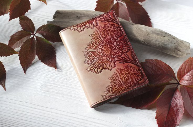 https://www.etsy.com/ru/listing/469019460/leather-passport-cover-beige-red-brown?ref=shop_home_active_3