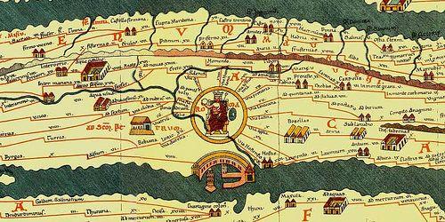Tabula Peutingeriana - XII secolo - copia di una carta romana che mostrava le vie miliari dell'impero - Conservata presso la Hofbibliothek di Vienna, in Austria -   Particolare, con la città di Roma inscritta in un cerchio