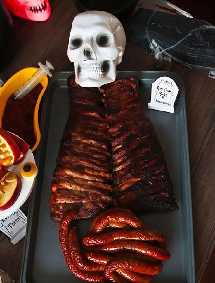 recette-Halloween-horrible-côtes-porc-levées-saucisses-intestins