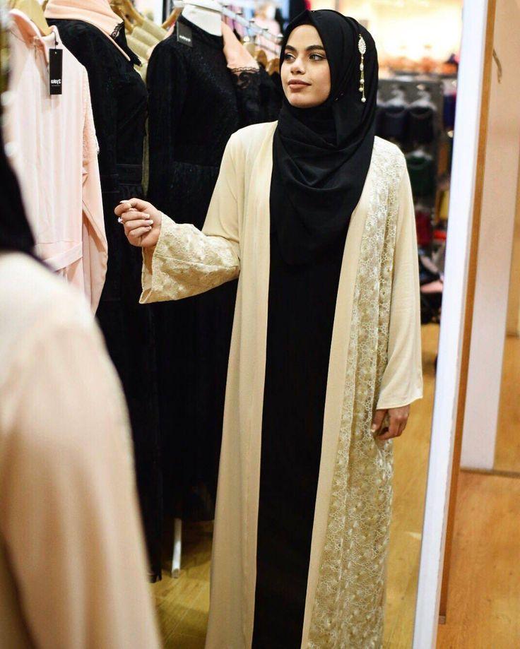"2,077 Likes, 4 Comments - 👸 hijab style icon 👸 (@hijabstyleicon) on Instagram: ""@ozmah_ @ozmah_ @ozmah_ @ozmah_ ♡♡♡♡♡♡♡♡♡♡♡♡♡ #tesettur#hijabfashion #hijabstyle #hijabbeauty…"""