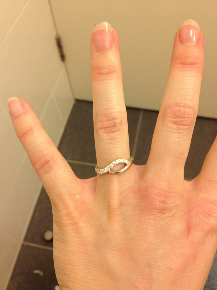 My gorgeous engagement ring