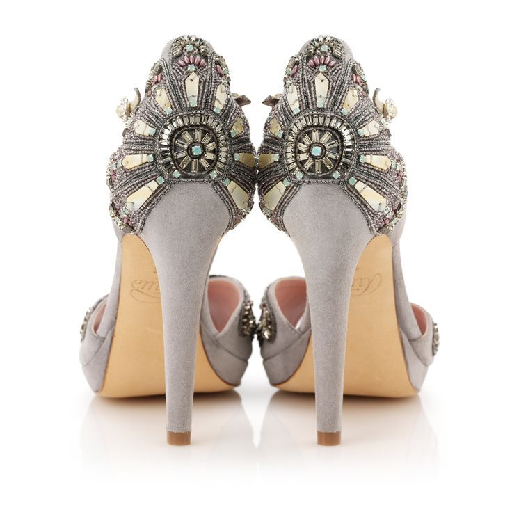 So pretty! Grey wedding shoes with gold art deco patterns at the back.