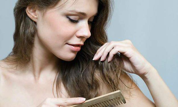 A mulher fica mais sensível nessa fase e os cabelos também sofrem com esta transformação hormonal. Veja aqui como cuidar dos cabelos na gravidez!