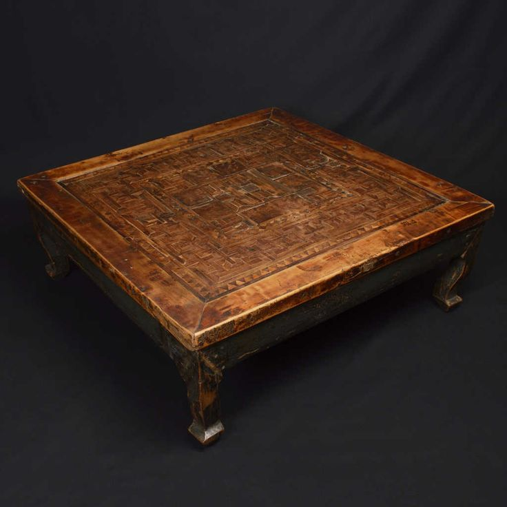 Square coffee table from the region of Fujian, southeast China, inlays, south elmwood (Jumu). Period: mid '800. Size: 70 x 70 x 26 (H) cm