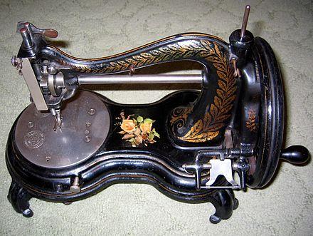 Le macchine da cucire d'epoca possono rivelarsi degli interessanti oggetti di design, ricordiamo le famose Singer, Necchi, Jones, Hurtu, Agenoria. www.wowciocheticolpisce.tk/interior-design/le-macchine-da-cucire-che-hanno-fatto-la-storia/