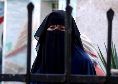La soledad de las mujeres árabes ,por Zoe Valdés.