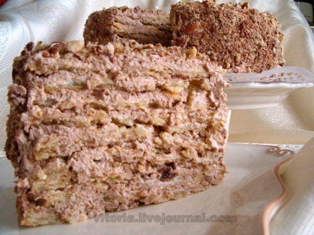 Очень вкусный торт по рецепту с форума jazzedcook от OnlyMe. Сочетание песочного теста,безе,орехов и масляного крема со вкусом сгущённого молока. Тесто: 350 гр. маргарина…