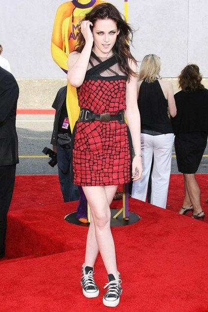 Kristen Stewart Converse Red Carpet Explanation (Vogue.com UK)