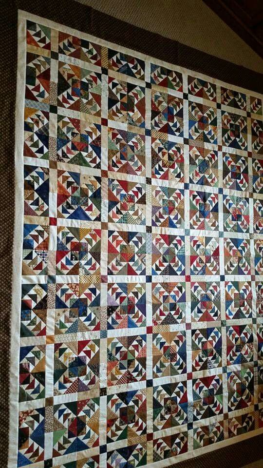 Bonnie Hunter's pattern. .....enlarged to 5 inch blocks. Love the setting ❤