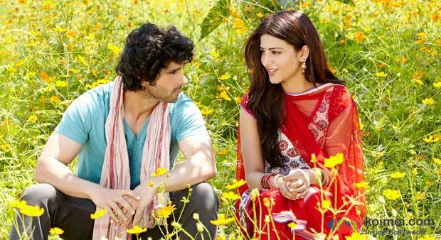 RAMAIYA VASTAVAIYA(2013) Ram başına buyruk bir gençtir.Kuzenini düğünü için Hindistan'a gider ve orada kuzeninin arkadaşı Sona ile tanışır.Filmde aile bağlarını,gerçek sevgiyi çok hoş bir biçimde görüyoruz.Samimi duyguları aradığımız bu günlerde bu duyguları yansıtan filmin başrollerinde Shruti Haasan,Girish Taurani ve Sonu Sood bulunuyor. İmdb puanı:5,6