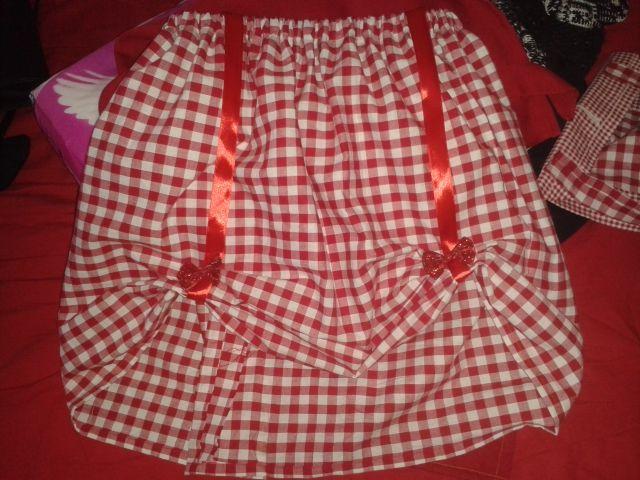 Carnaval 2015; Het rokje van Roodkapje! + bijpassende rode cape en glitterschoenen