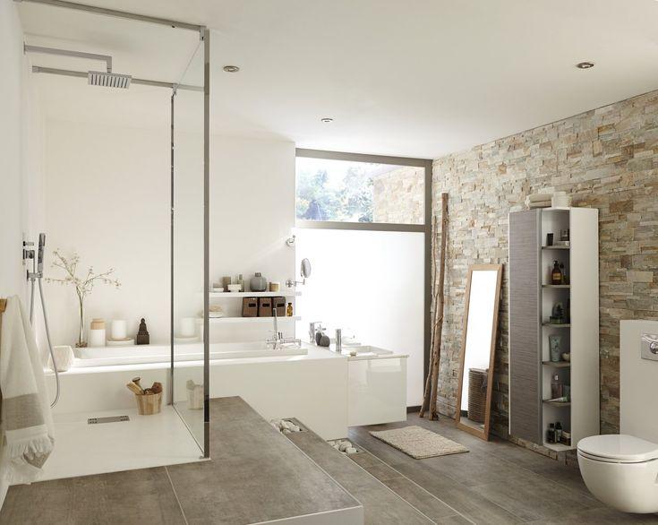 Plaquette de parement pierre naturelle beige Elegance dans la salle de bain. #plaquettedeparement #salledebain #ideedeco