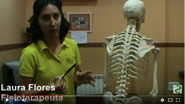 La #fisioterapeuta, Laura Flores, habla sobre la #escoliosis, qué es, causas, a quiénes afecta, síntomas y signos.  #salud http://blgs.co/1p2eM5