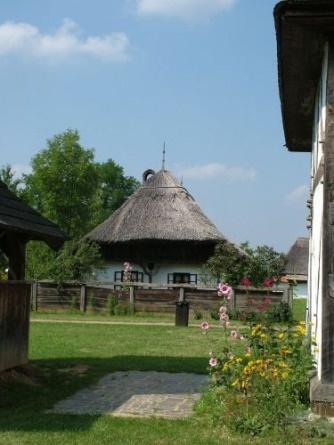 Hungarian folk architecture (Sóstói múzeumfalu)