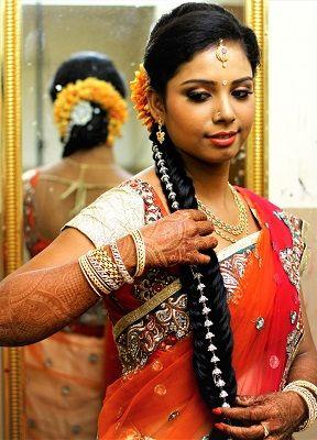 South Indian Brida on budget. South Indian bride makeup, Bride hairstyle, bride saree, bride jewellery. #Makeup, #lenhenga #jabong #bridal hairstyle #...