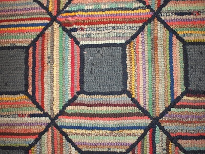 Hand Made Antique American Geometric Hooked Rug 2 11u0027 X 5 10u0027 1920 |